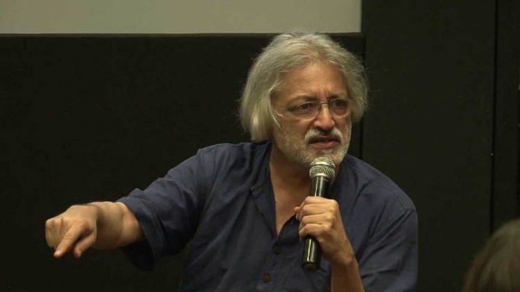 Anand Patwardhan Returning An Award By Anand Patwardhan