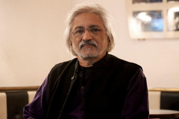 Anand Patwardhan httpsuploadwikimediaorgwikipediacommonsff