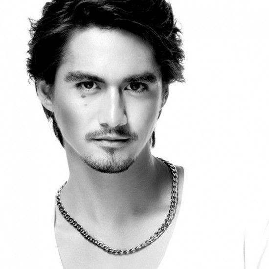 Ananda Everingham Ananda Everingham Thai Actor Giving Good Face