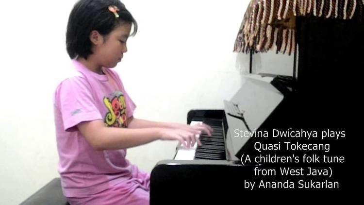 Ananda Sukarlan Stevina Dwicahya plays Quasi Tokecang by Ananda Sukarlan for