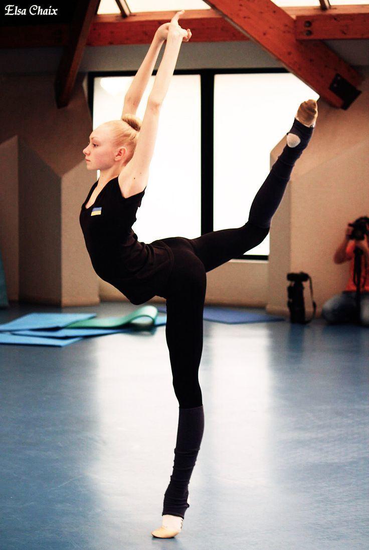 Anastasiia Mulmina 135 best Anastasia Mulmina images on Pinterest Rhythmic gymnastics