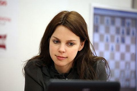 Anastasiya Karlovich Taizhou 04 draw in 31 Hou leads by two points Chess News