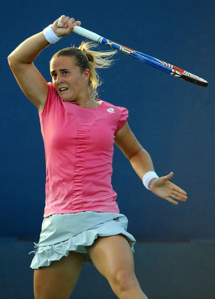 Anastasiya Yakimova Wonderful World of WTA Serena on Centre Court
