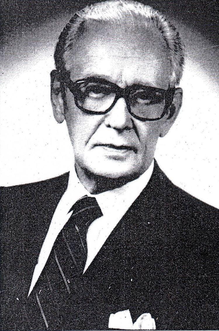 Anatols Dinbergs httpsuploadwikimediaorgwikipedialv554Ana