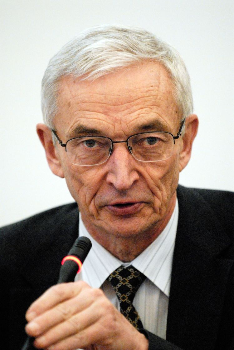 Anatoly Mikhailov FileAnatoly Mikhailov rektor for European Humanities University