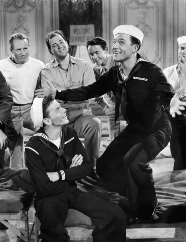 Anchors Aweigh (film) Frank Sinatra Gene Kelly Anchors Aweigh 1945 Favorite singers