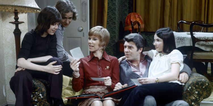...And Mother Makes Five And Mother Makes Five ITV Sitcom British Comedy Guide