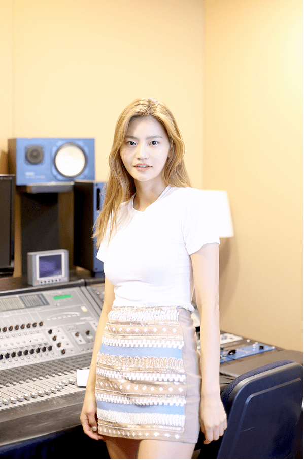 Anda (singer) A KCrush interview with the unique and talented singer Anda