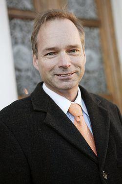 Anders Flanking httpsuploadwikimediaorgwikipediacommonsthu