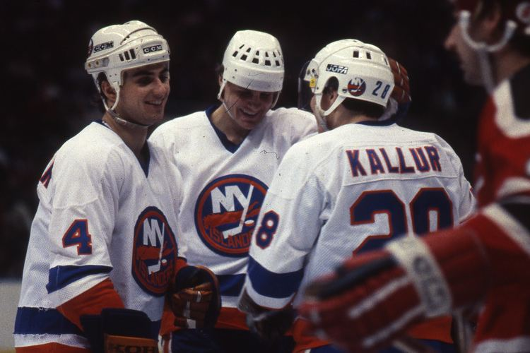 Anders Kallur 16 Anders Kallur Paul Boutilier and a teammate celebrate