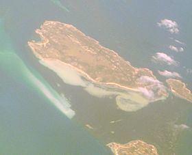 Anderson Island (Tasmania) httpsuploadwikimediaorgwikipediacommonsthu