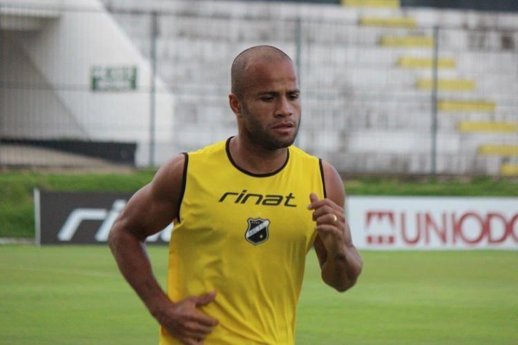 Anderson Pedra Mais Querido contrata o volante Anderson Pedra ABC FC