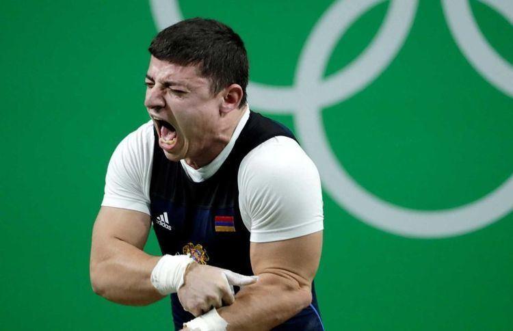 Andranik Karapetyan Rio Olympics Andranik Karapetyan Armenian weightlifter dislocates