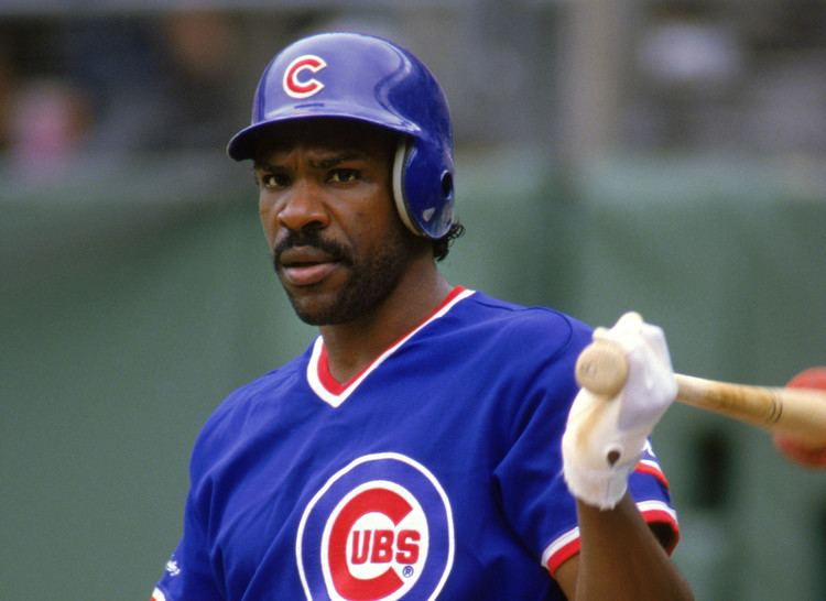 Andre Dawson Chicago Sports flashback Andre Dawson offers Cubs a blank