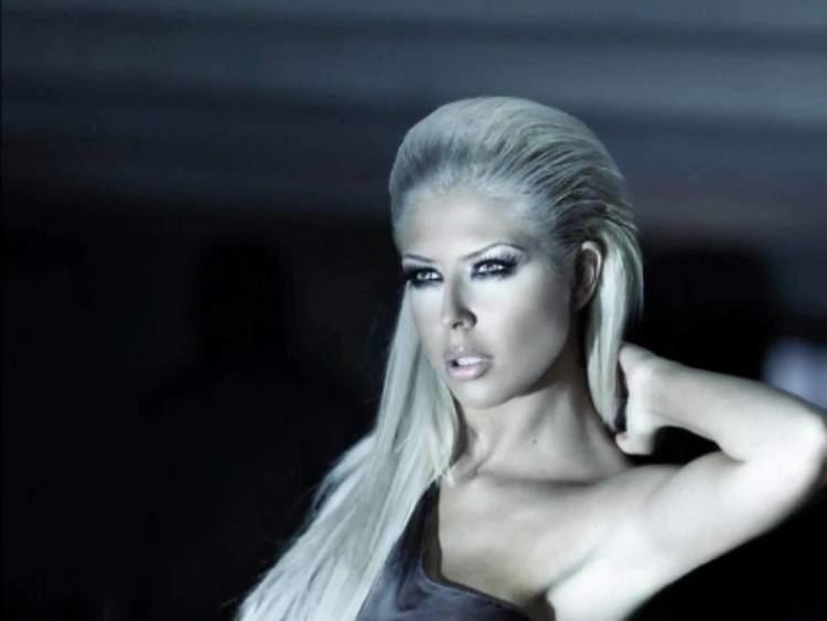 Andrea (Bulgarian singer) Hot bulgarian singerAndreaSahara Haide opa Celuvai