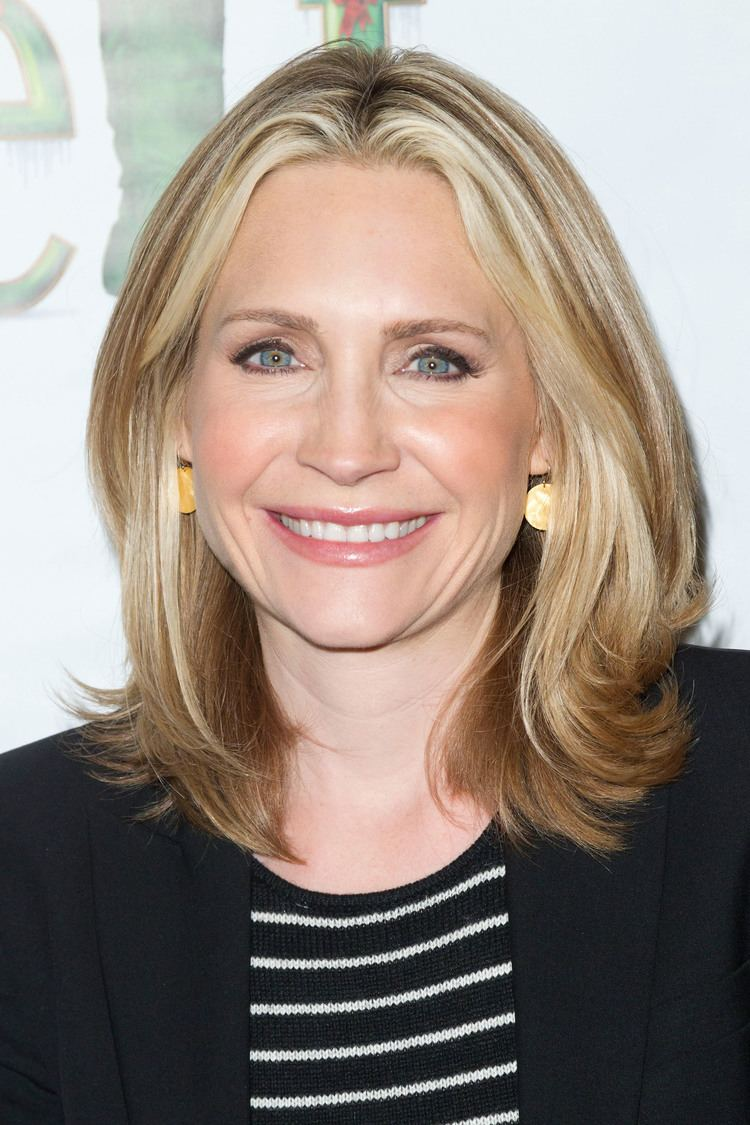 Andrea Canning Dateline39 Star Andrea Canning Welcomes 5th Daughter