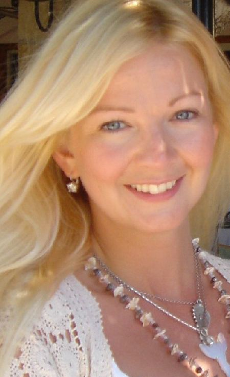 Andrea Foulkes httpspbstwimgcomprofileimages420132091and
