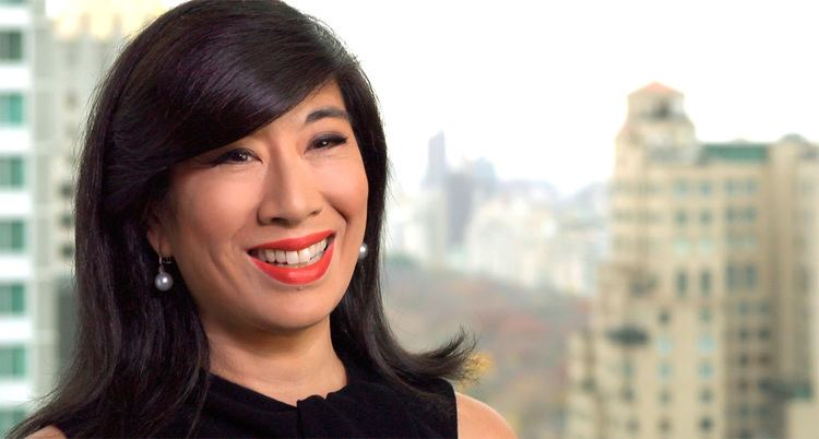 Andrea Jung Andrea Jung First Female CEO AVON MAKERS Video