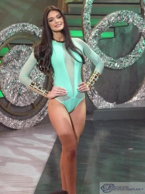 Andrea Rosales ANDREA ROSALES MISS EARTH VENEZUELA 2015