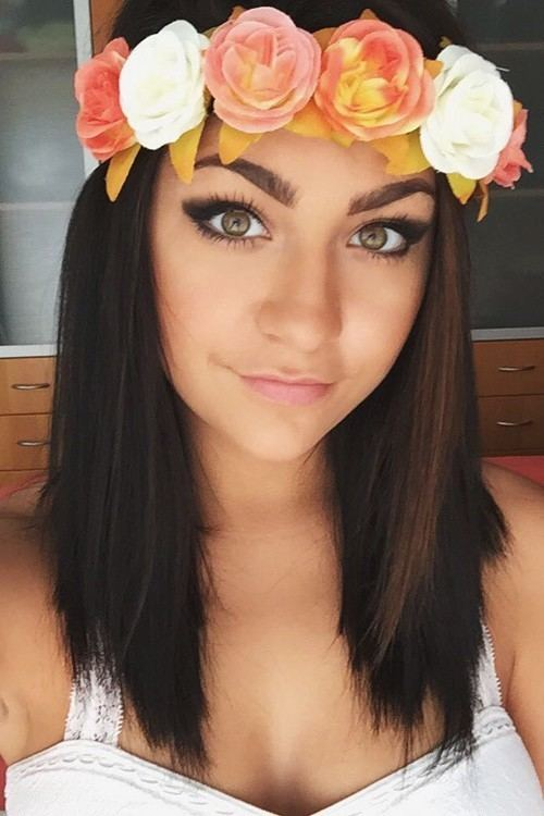 Andrea Russett Andrea Russett39s Hairstyles amp Hair Colors Steal Her Style