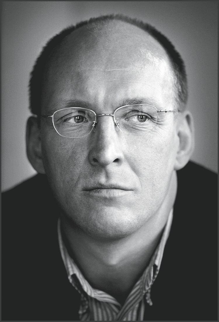 Andreas Kinneging Andreas Kinneging een fanatiek boekenmens Vrij Nederland