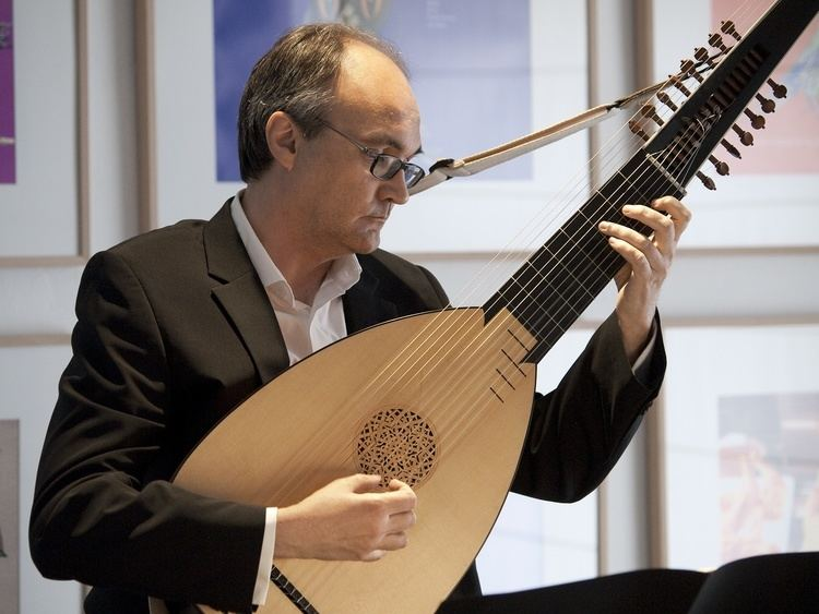 Andreas Martin (lutenist) Andreas Martin Lute Guitar Professional Lute Guitar player