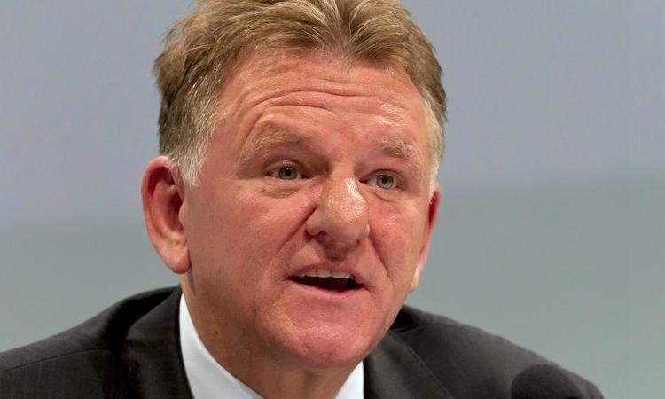 Andreas Renschler VW39s Renschler to replace Piech as MAN chairman