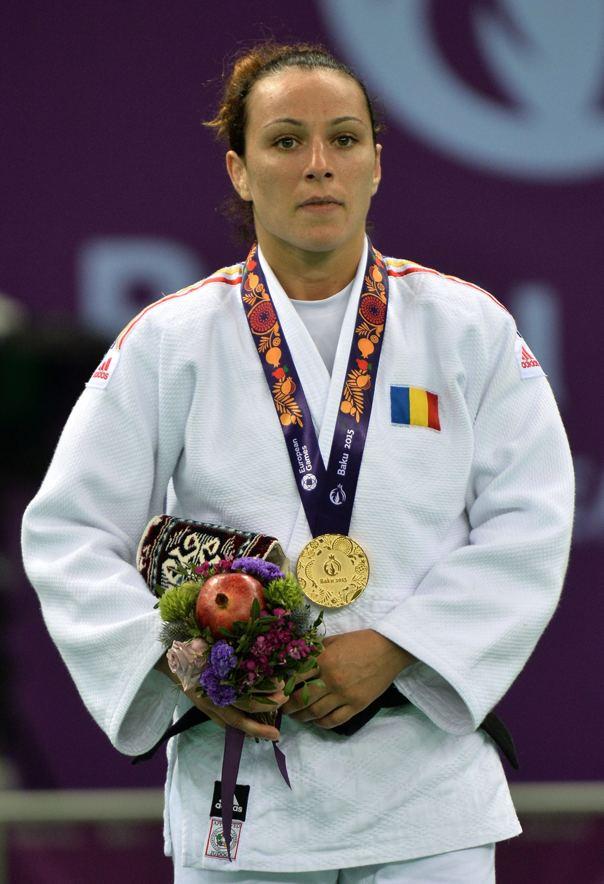 Andreea Chițu Andreea Chiu Sunt fericit c imnul Romniei a fost intonat pentru