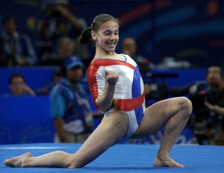 Andreea Răducan Fifteen Years Later Andreea Raducan Seeks Her Gold Medal Beam Dreams