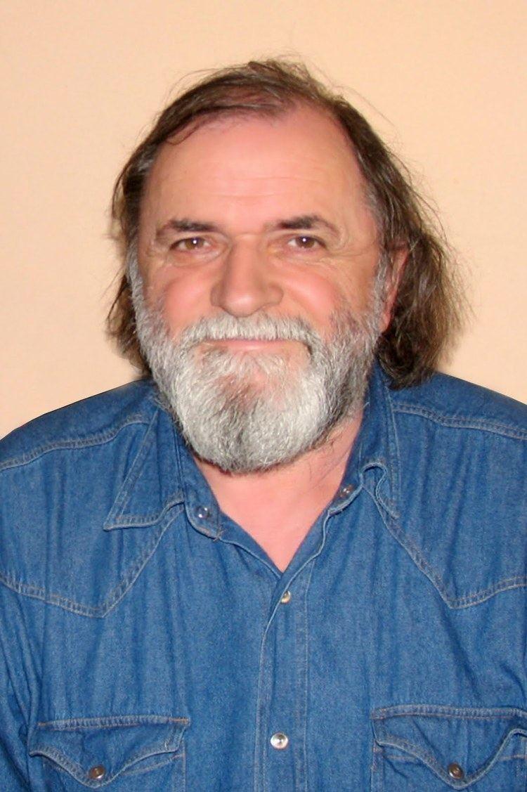Andrei Vartic ANDREI VARTIC In Memoriam Curentul International