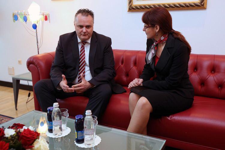 Andreja Katič FileMinistrica Andreja Kati in avstrijski minister za obrambo mag