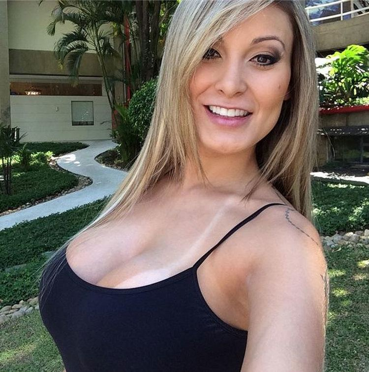 Andressa Urach 20 Andressa Urach Pictures ImgHD Browse and Download