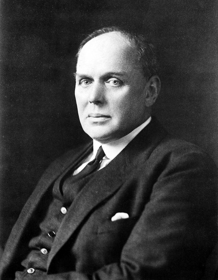Andrew Balfour httpsuploadwikimediaorgwikipediacommonsthu