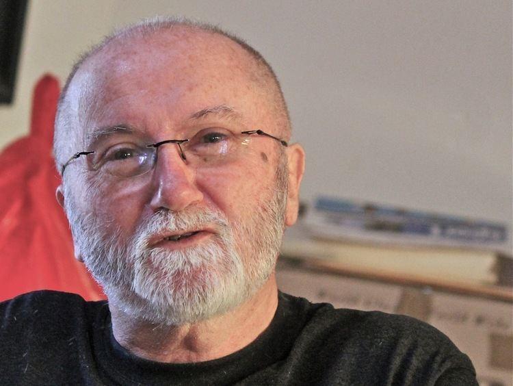 Andrew Burke (poet) FileAndrew Burke poet 0610123JPG Wikimedia Commons