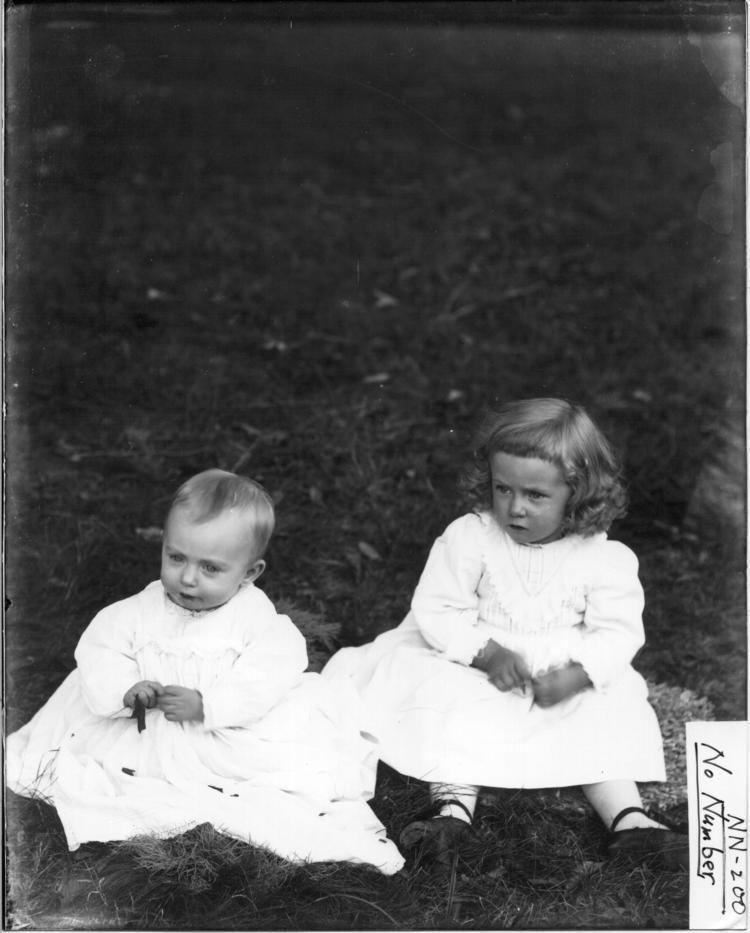 Andrew Dousa Hepburn FileGrandchildren of Andrew Dousa Hepburn nd 3192693284jpg