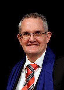 Andrew Dutney httpsuploadwikimediaorgwikipediacommonsthu