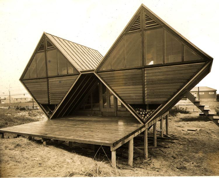 Andrew Geller ANDREW GELLER Architect of Happiness 19242011