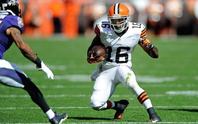 Andrew Hawkins VIDEO Andrew Hawkins boots son 2 from house for being