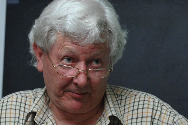 Andrew Jennings Reporter who chipped away at FIFA corruption delights in Sepp