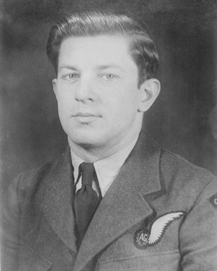 Andrew Mynarski Article Royal Canadian Air Force News Article 419