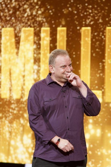 Andrew Skarbek (game show contestant) Andrew makes TV history with lifechanging 1 million win Sunshine