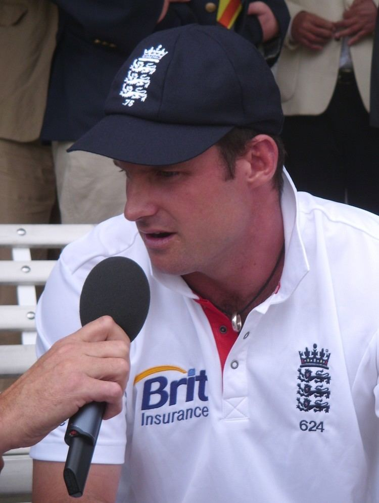 Andrew Strauss (Cricketer) playing cricket
