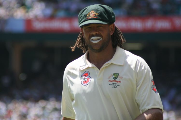 Andrew Symonds (Cricketer) playing cricket
