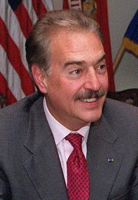 Andrés Pastrana Arango httpsuploadwikimediaorgwikipediacommons77