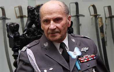 Andrzej Kowerski Warsaw Rising figurehead accused of collaboration with communists
