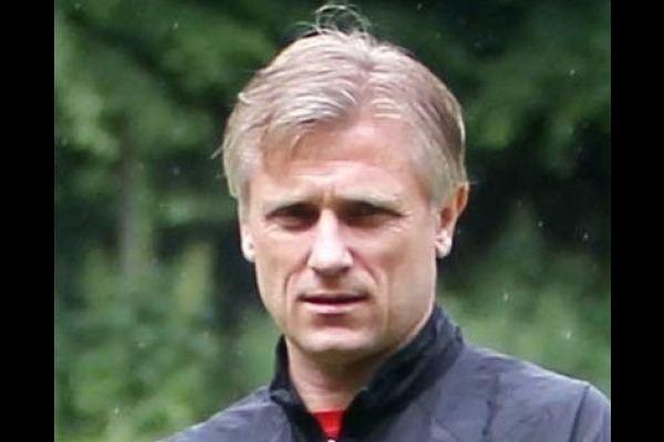 Andrzej Rudy Euskirchen springt an die Spitze FuPa
