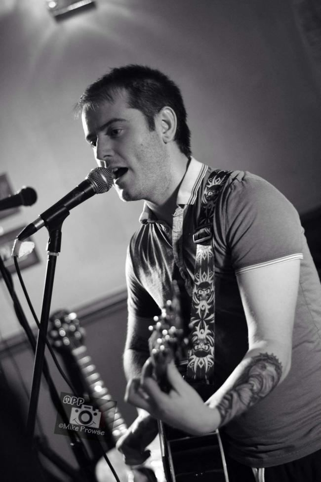 Andy Bennett (musician) Swindon musician opens for Ocean Colour Scenes Andy Bennett From