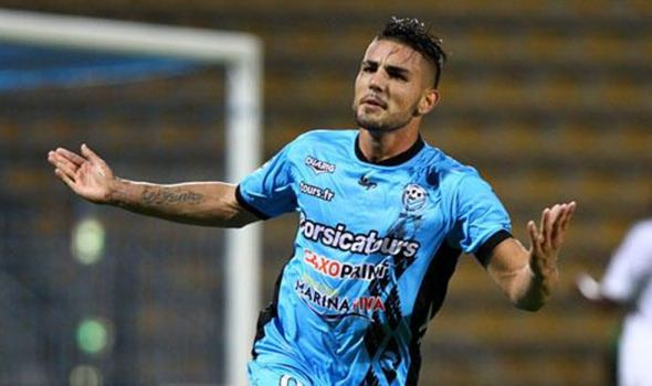 Andy Delort Leicester lead Southampton in chase for wantaway French