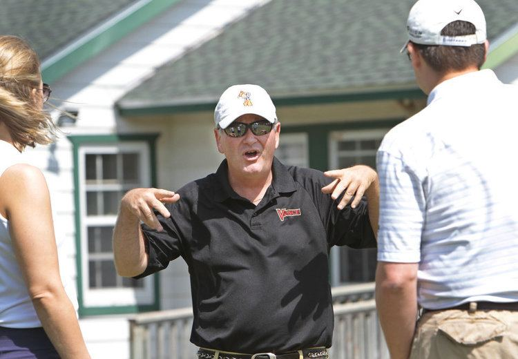 Andy Dillard Golf pro Andy Dillard gives clinic at Edmond chamber tournament