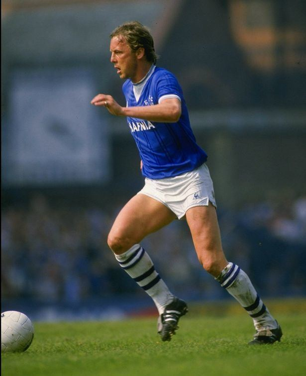 Andy King (footballer, born 1956) Legendary Everton midfielder Andy King dies suddenly from heart